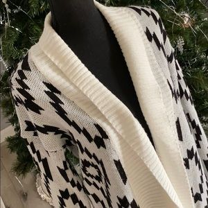 Romeo and Juliet cardigan, long sleeve sweater